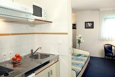 apl 33 appartement 1 pi ce s 20 m m rignac 33 louer 1894616020931. Black Bedroom Furniture Sets. Home Design Ideas